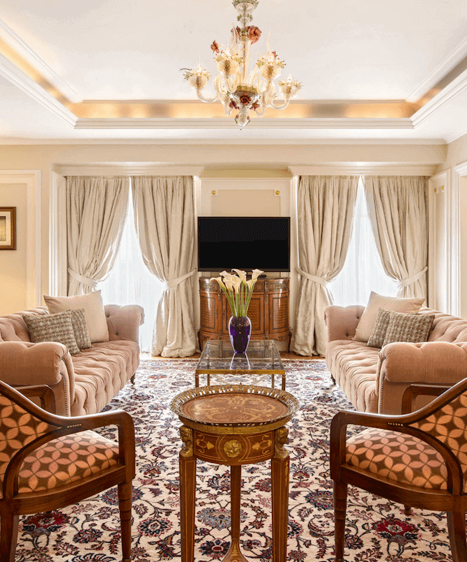 Executive Grand Suite Living Room